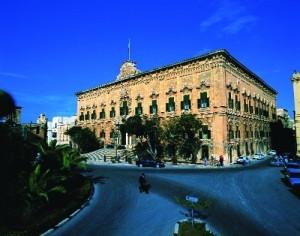 Bejn il-Berġa ta' Kastilja u l-Berġa tal-Baviera